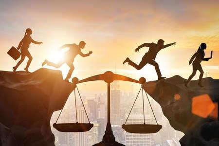 Geschäftsleute im Konzept des fairen Geschäfts