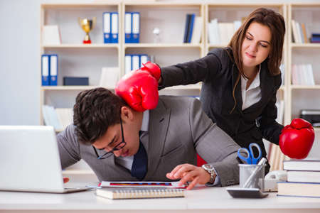 Office conflict between man and woman Banco de Imagens - 87798100