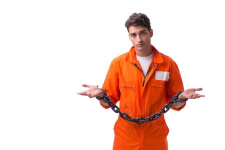 Prigioniero con le sue mani incatenate isolate su fondo bianco