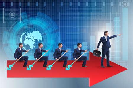 Team van zakenlieden in groepswerkconcept met boot