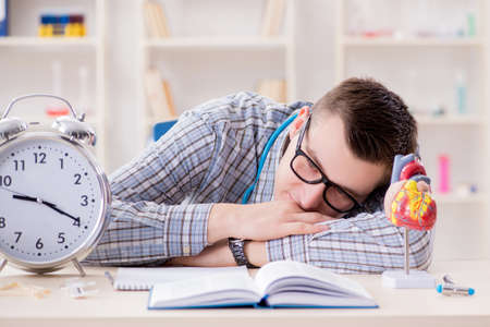 Medical student missing deadlines to complete assignment