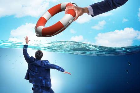 El empresario se salvó de ahogarse