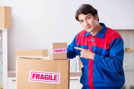 Transportation contractor with fragile boxes