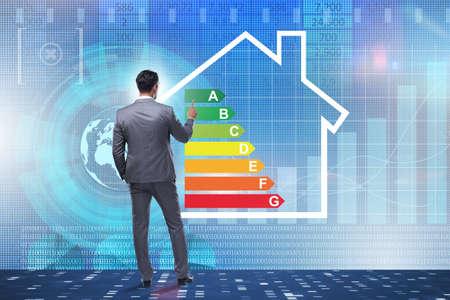 Biznesmen w koncepcji efektywności energetycznej