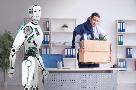 Concepto de robots que reemplazan a los humanos en las oficinas.