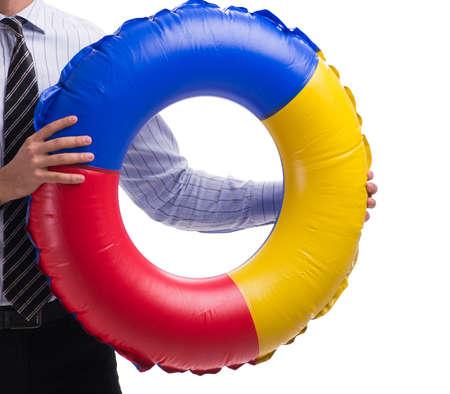Joven empresario con salvavidas aislado sobre fondo blanco.