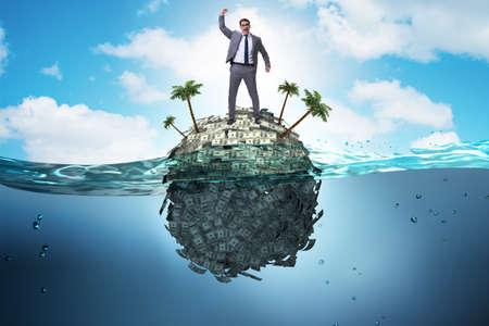 Concept de comptes offshore avec homme d'affaires