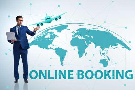 Konzept der Online-Flugreisebuchung Standard-Bild