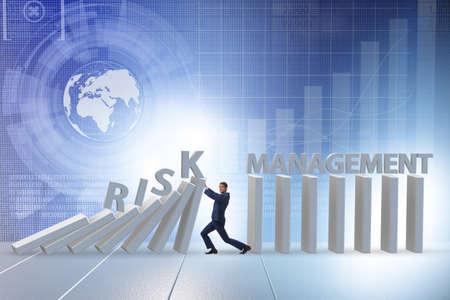 Businessman in risk management concept Zdjęcie Seryjne - 129780826
