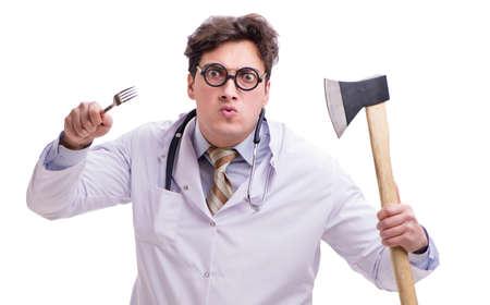 Lustiger Arzt mit Axt isoliert auf weiß Standard-Bild