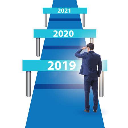 Courir des barrières avec les années futures