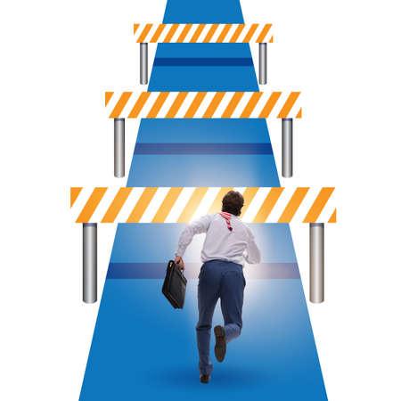 L'homme d'affaires confronté à des obstacles en cours d'exécution dans des affaires difficiles