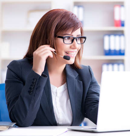 Call center operator working with clients Banque d'images