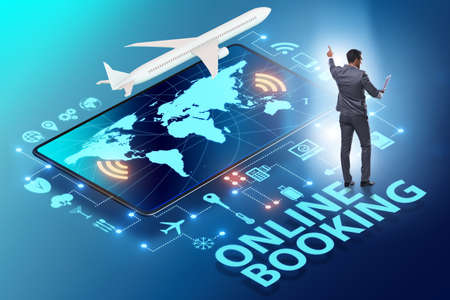 Concept of online airtravel booking with businessman 스톡 콘텐츠 - 133124914