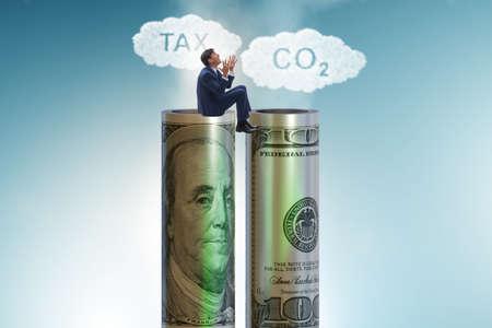 Businessman in carbon pricing concept Banque d'images - 151432096