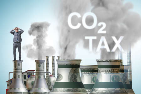 Businessman in carbon tax concept Banque d'images - 151432012