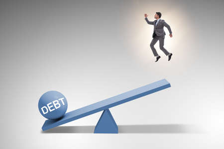 Debt and loan concept with businessman and seesaw Banque d'images - 151431042