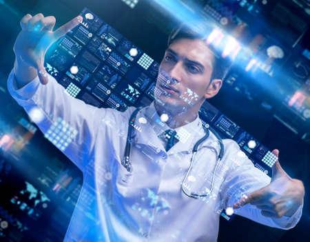 The concept of telemedicine with male doctor Foto de archivo