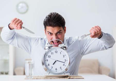 Concept of slow service in restaurants 免版税图像