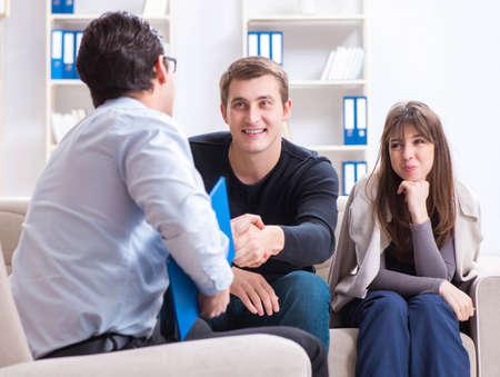 Family visiting psychologist for family problem Foto de archivo