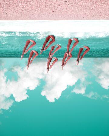 Wyimaginowany krajobraz, surrealistyczna plaża do góry nogami, turkusowe i różowe kolory, pochmurne niebo, nogi kobiety tancerki wody, zsynchronizowane pływanie, niemożliwa koncepcja