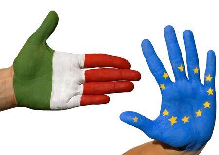 tratados: dos manos que simboliza la alianza entre Italia y Europa Foto de archivo