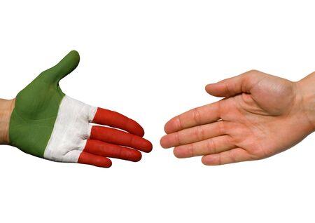 tratados: dos manos, una con los colores de Italia y uno con copyspace aislados, tanto
