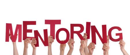 Viele Hände, die das rote Wort Mentoring, Isoliert