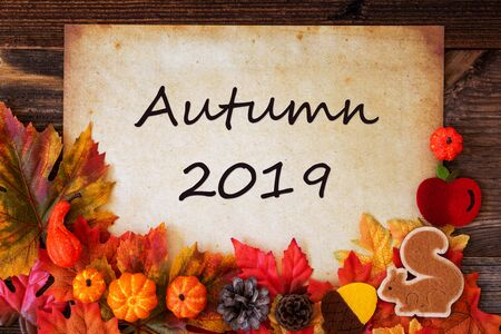 Old Paper With Autumn 2019, Colorful Autumn Decoration Imagens - 130686968