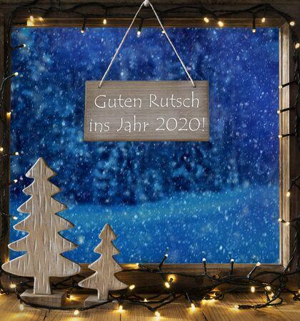 Window, Winter Forest, Guten Rutsch Means Happy New Year 2020 Imagens - 130686802