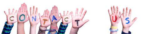 Enfants mains bâtiment mot Contactez-nous, fond isolé