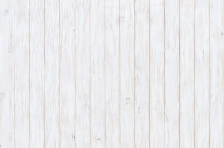 Tablón de madera blanca de textura, la luz de fondo natural Foto de archivo - 66704415