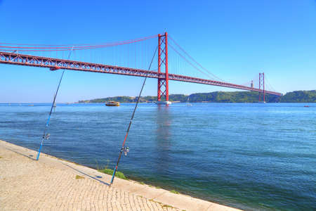 Lisbon, Landmark suspension 25 of Abril bridge
