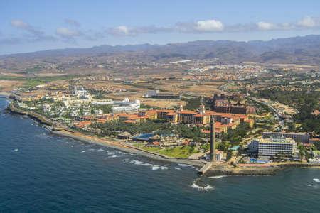gran canaria: Luchtfoto van de zuidkust van Gran Canaria, Spanje