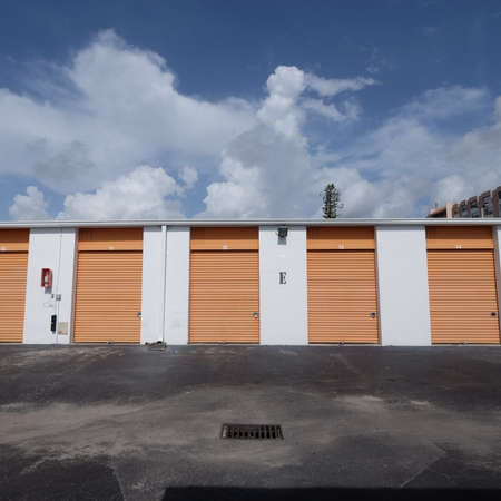 self storage: Self storage building