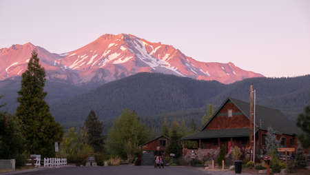 Mount Shasta, California, usa - September, 26th, 2017: View of the Mount Shasta street with people having a stroll on quiet street and buildings