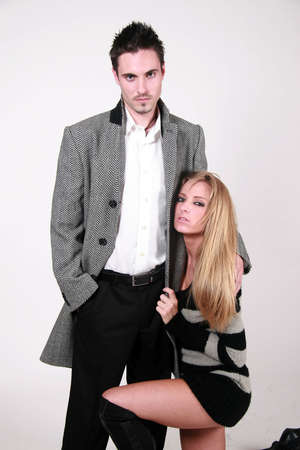 masculin: Younger attractive caucasian male and female couple
