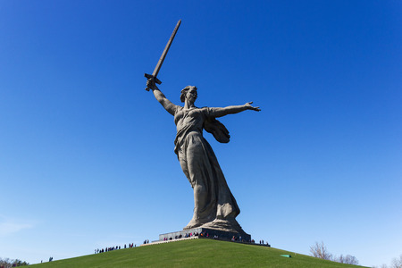 seconda guerra mondiale: VOLGOGRAD, RUSSIA - April 26, 2015: a Monument to the woman-the mother calling for the protection of the Motherland from Nazi invaders. Installed Museum-reserve Stalingrad battle. Volgograd, Russia