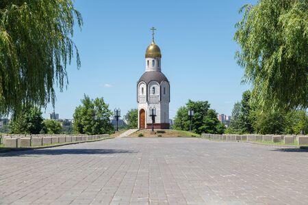 seconda guerra mondiale: VOLGOGRAD, RUSSIA - July 06, 2016: A chapel at the soldiers memorial cemetery. Mamayev Kurgan, Volgograd, Russia