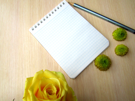 yellow notepad: White Notepad for writing text with yellow flowers