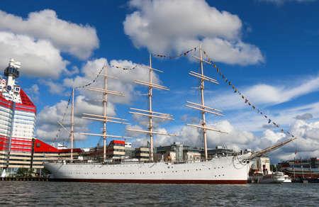 Göteborg, Zweden. 072016 haven Lilla Bommen met de Barken Viking schip. Ze werd gebouwd in 1906 en is naar verluidt het grootste varende schip ooit gebouwd in Scandinavië.