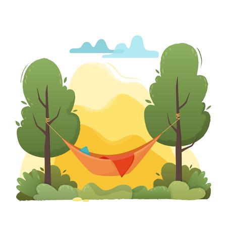Zomerhangmat met bomen in bos en tuin, bergen en wolken.