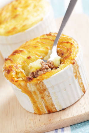 stoneware: Cottage pie in the small stoneware bakers