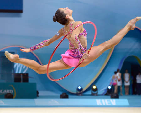 KIEV, UKRAINE - AUGUST 28, 2013: Neta Rivkin of Israel in action during the 32nd Rhythmic Gymnastics World Championships in Kiev, Ukraine on August 28, 2013 Éditoriale