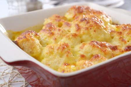 Cauliflower cheese in a baking dish 版權商用圖片