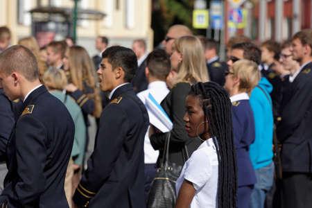 uniforme escolar: San Petersburgo, Rusia - 1 de septiembre de 2015: Los estudiantes en la reunión dedicada al Día del Conocimiento en la Universidad Nacional de Recursos Minerales. Es la más antigua escuela rusa de educación superior dedicada a la ingeniería