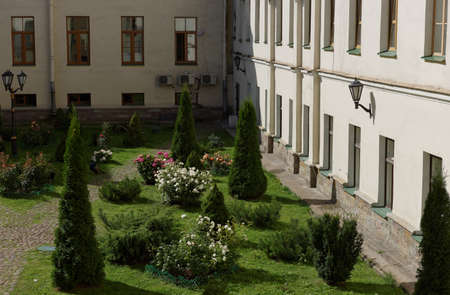 higher education: St. Petersburg, Russia - September 1, 2015: Inner garden courtyard of the National Mineral Resources University during the Day of Knowledge. Its the oldest Russian higher education school devoted to engineering