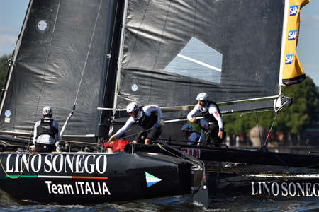 italia: St. Petersburg, Russia - August 20, 2015: Catamaran of Lino Sonego Team Italia of Italy during the 1st day of St. Petersburg stage of Extreme Sailing Series. Red Bull Sailing Team of Austria won the day with 58 points Editorial