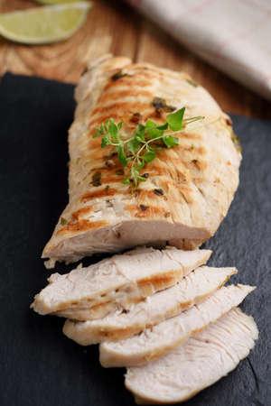 turquia: Las rebanadas de carne de pavo asado