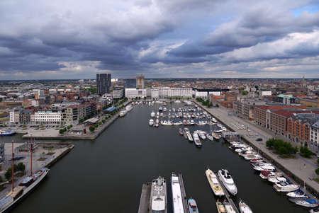 Antwerpen, België - 23 juni 2013: Cityscape vanuit de boulevard Museum aan de Stroom. Het museum aan de rivier werd geopend in mei 2011 en is het grootste museum in de stad